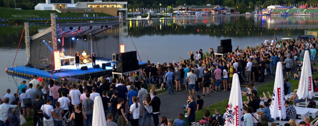 16 koncertów na wodnych scenach przez całe wakacje. #NaFalach w Poznaniu!