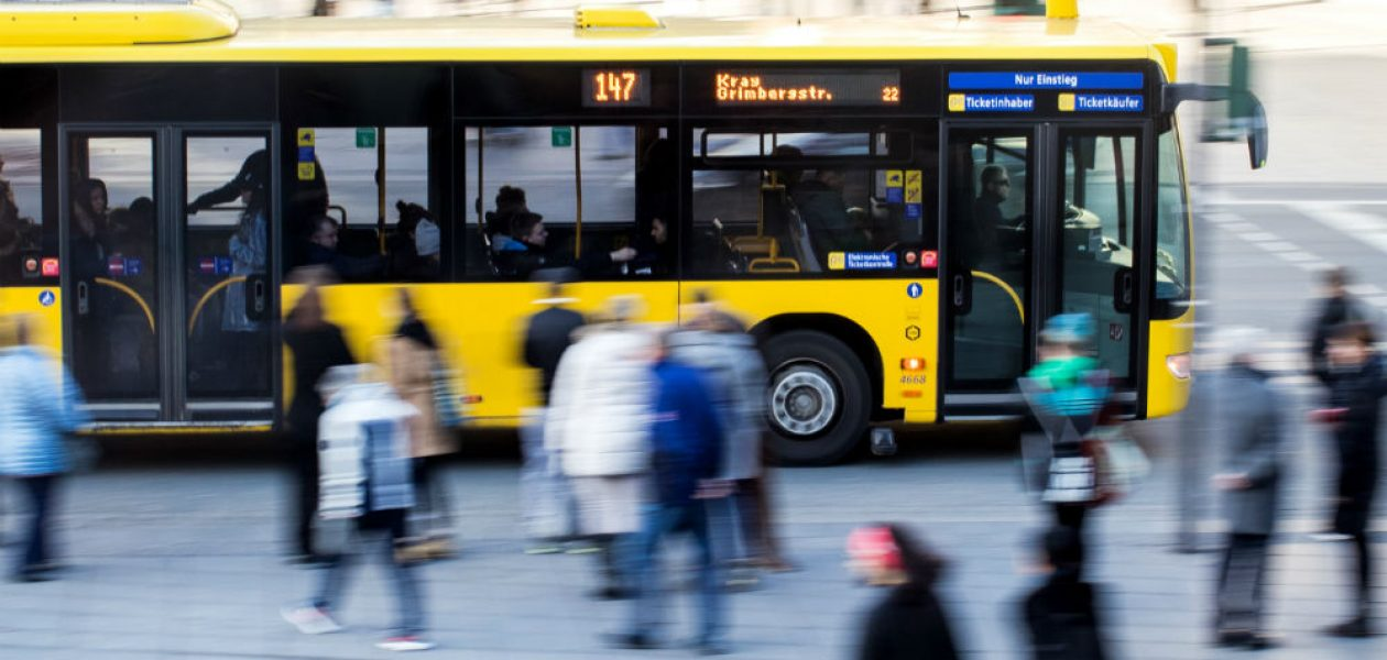 Czy UBER szkodzi mieszkańcom miast?